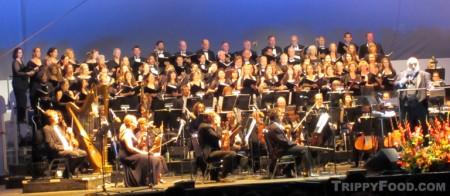 The California Philharmonic with full choir