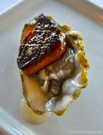 Cafe del Rey's foie gras oyster (photo: Eddie Lin)